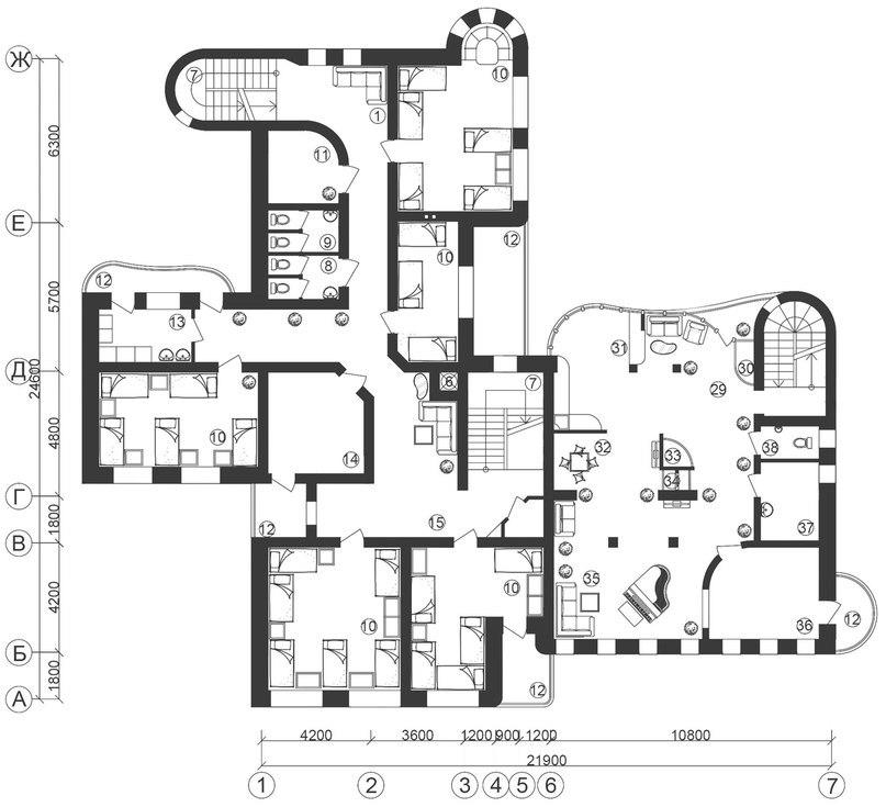 Реконструкция жилого дома по улице Площадь Свободы, 12 под хостел, апартаменты и магазин.