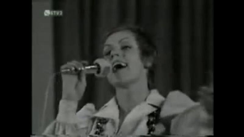 Eva Kostolányiová - Dobré ráno želám Vám ( live )