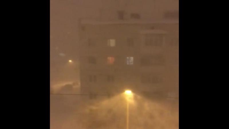 Снежный буран в Магадане, Россия - 20.11.2017