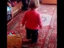 Моя Анечка танцует у бабушки