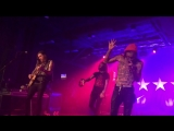 Yelawolf - Devil In My Veins and Empty Bottles (Live)