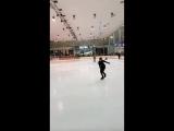 Я уже хорошо катаюсь на коньках ))