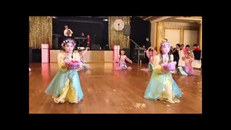 Navroz New York Навруз Нью-Йорк Otmagay tong kichik qizlar raqsi узбекский танец девочки