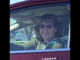Когда на светофоре увидела красавчика в соседнем авто