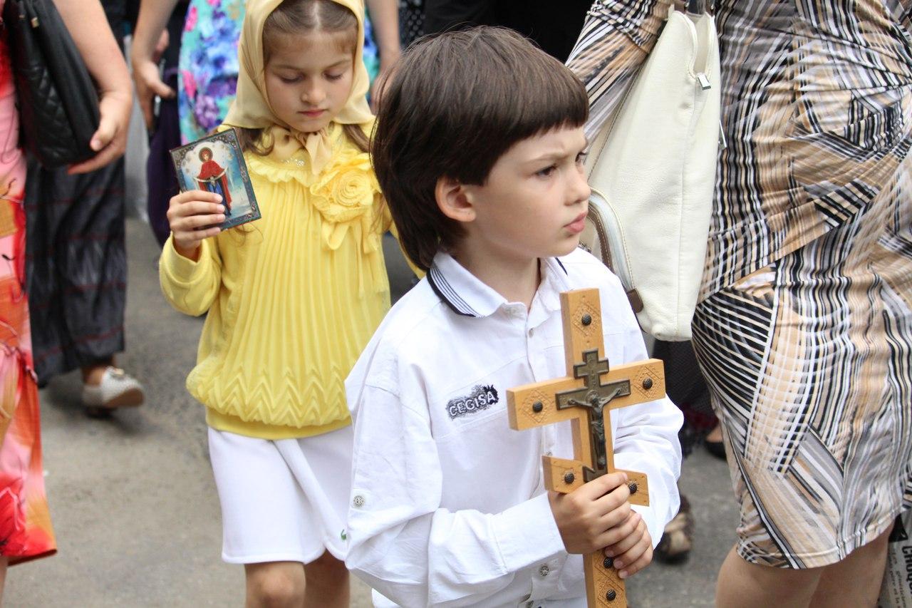 Крестный ход в честь местночтимой иконы Божией Матери состоялся в Луганске