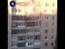 Житель дома на проспекте авиаконструкторов Авиаконструкторов сам тушит пожар в соседней квартире