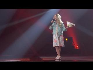 Малышка класно поет песню Rockin' Robin на шоу Голос Дети