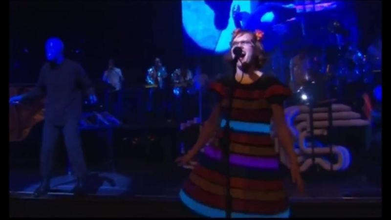 Blue Man Group and Venus Hum - I Feel Love