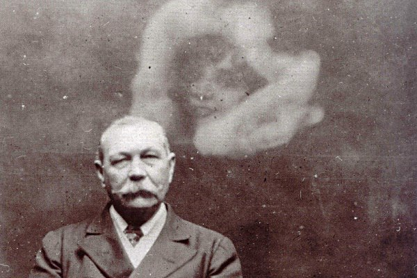 Артур Конан Дойль и призраки