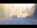 она уехала в кювет ОГРОМНАЯ Таракановское шоссе. Лопнуло колесо у грузовика. Девушка забавно паникует раньше времени. ХАЙП100
