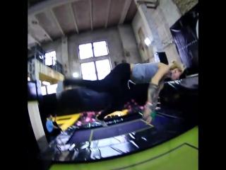 На тренировке в Rocket jump знакомство с залом.