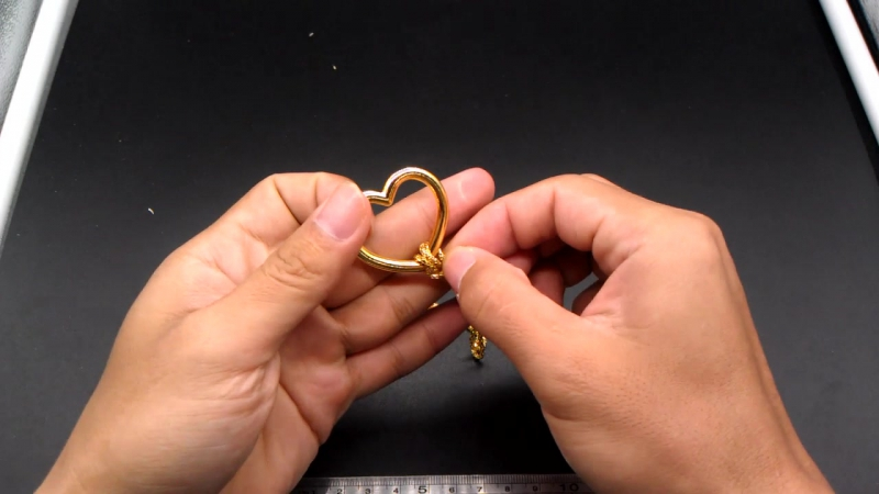 H100 / Heart Shape Metal Iron Ring Puzzle IQ Brain Teaser Test Toy For Adult Magic Trick