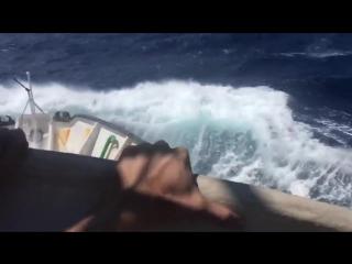 Unsere Leichtmatrosen an Bord der C-Star auf hoher, rauer See