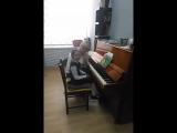 урок фортепиано в музыкальной школе