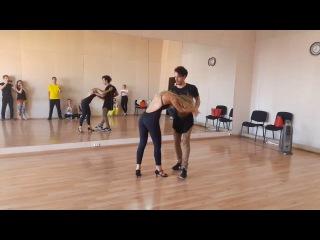 Carlos & Anastasia - Zouk improvisation (Music: Oasis - Wonderwall)