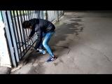 Что делают вандалы на улице шок 49+