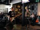 Барабанщик Сурков Виталий, гитарист Ледков Илья, бас - гитарист Даниил Бондарь, вокалистка Громогласова Тая «Искала»