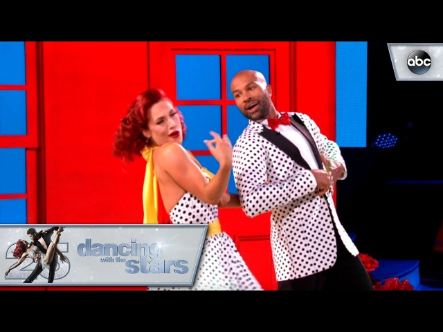 Derek and Sharna's - Foxtrot - Dancing with the Stars