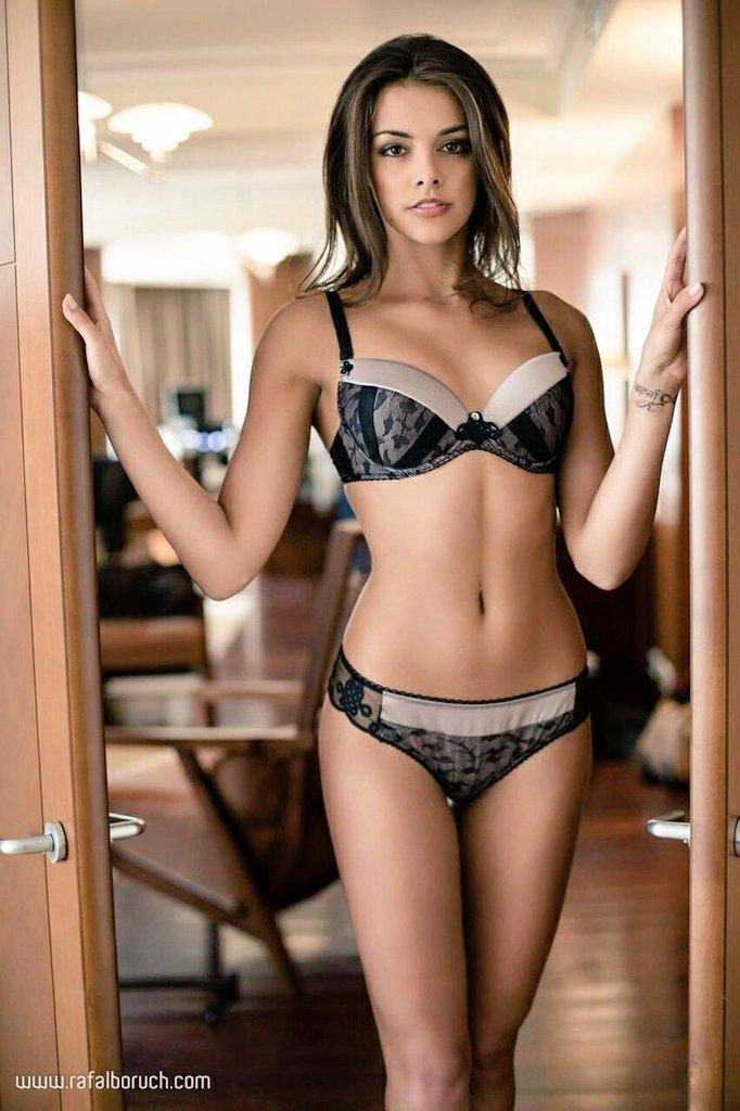 Hot girl on girl amateur sex cam