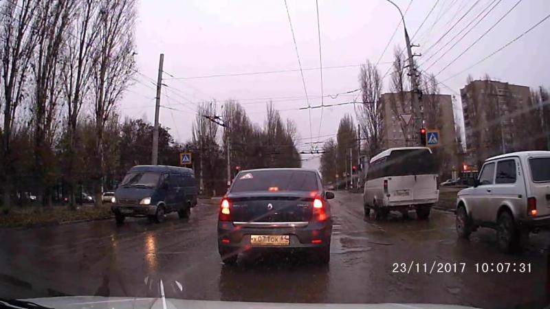 Перекресток Трнавская-Героев.AVI