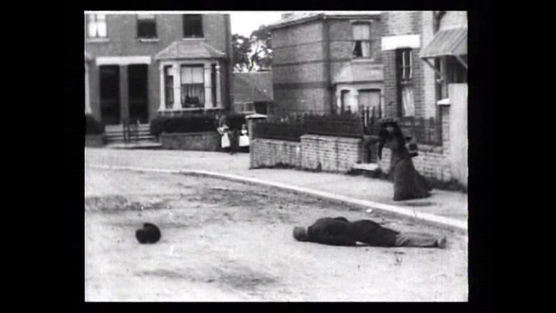 52 An extraordinary cab accident (Robert W.Paul, 1903)