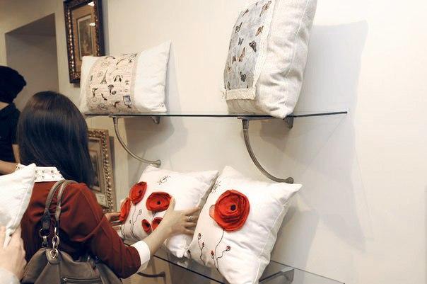 Как сделать бизнес на диванных подушках? История Дины Шуваловой  Дин