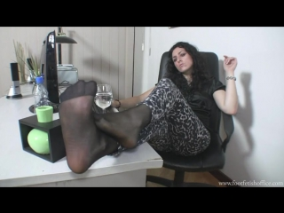 Goddess Una tease sexy feet nylon Foot worship Foot fetish office Фут-фетиш офис