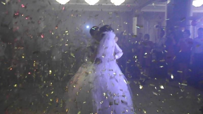 Перший весільний танець наречених *Зорянки і Юрія*