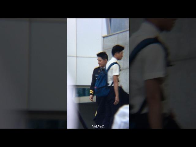 170810 마지막콘서트 - 무대 셋팅하는 프로 일경이💕 김준수 XIA