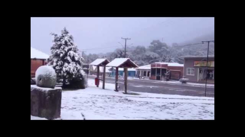 São José dos Ausentes amanhece coberta de neve