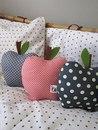 Подушка-яблоко