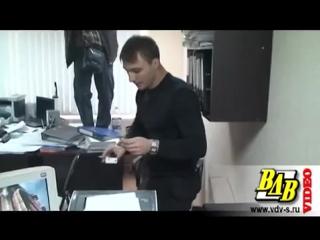 В Волгограде следователь спрятал взятку в подвесной потолок
