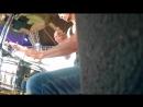 Майдан , Песня Малыш автор Виктор Цой играет группа Ансат.