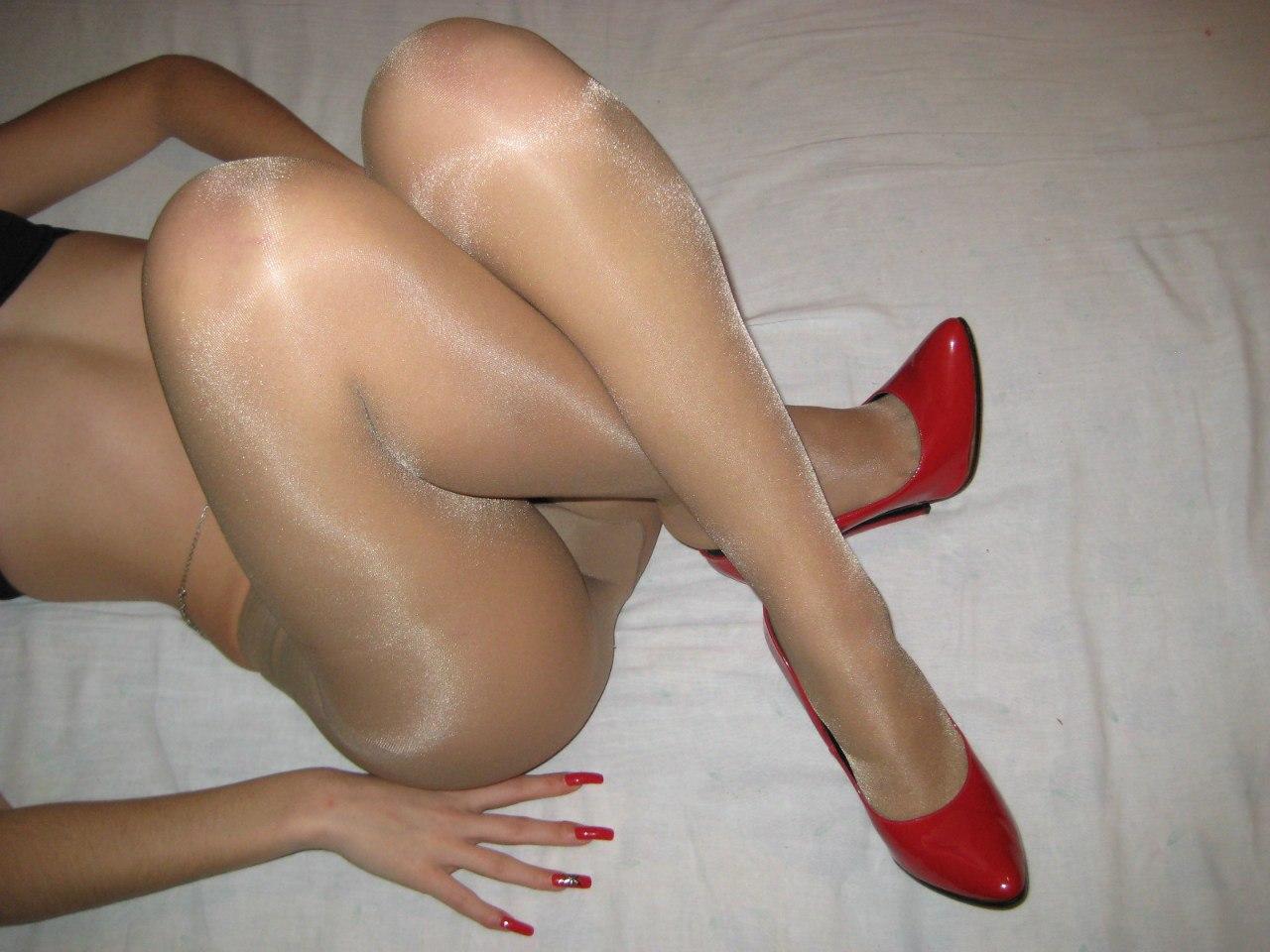 Nude strapon sex