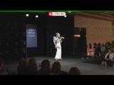 В Москве проходит показ моделей в платьях из шоколада - live