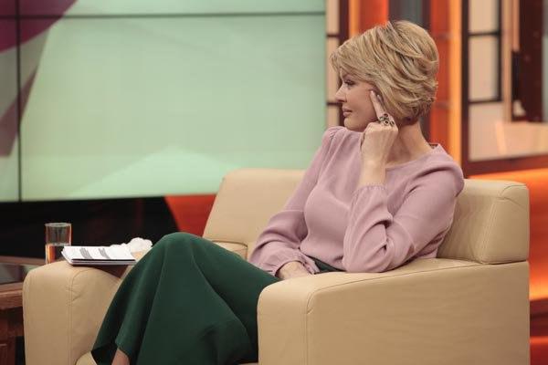Первый канал закрывает передачу Юлии Меньшовой