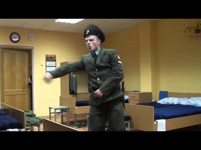Парень в армии классно танцует