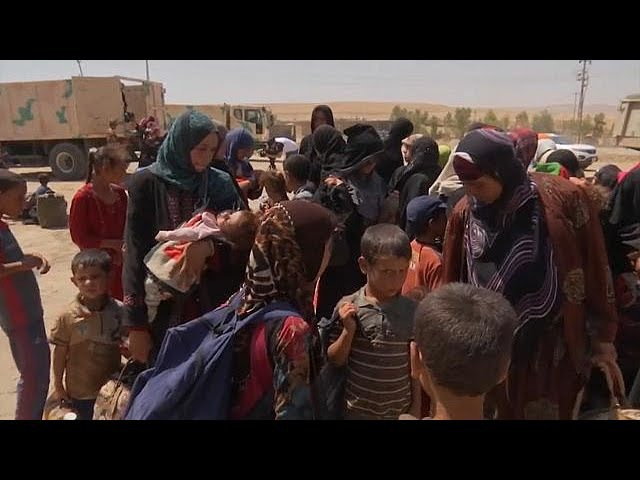 Мирные жители бегут из осажденного Талль-Афара