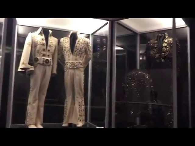 Дом Элвиса Пресли. Поместье Грейсленд. Мемфис, штат Теннесси / Elvis Presley's house at Graceland