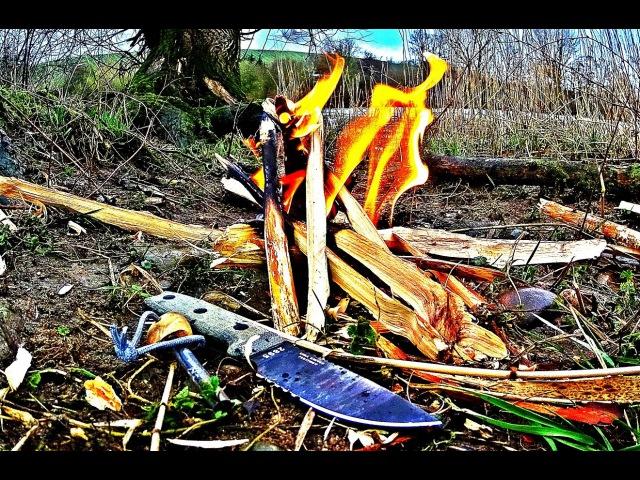 Survival Feuer mit Kienspan