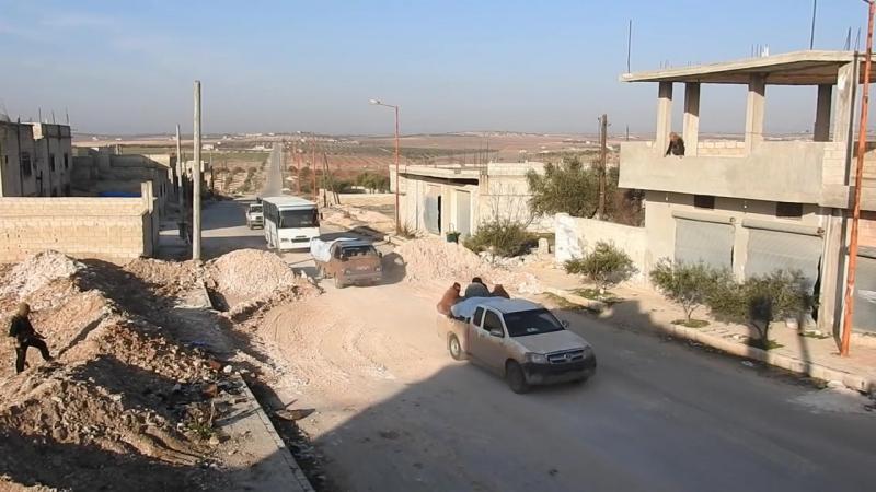 Колонна группировки Лива аль Акса в момент выезда на территории ИГ