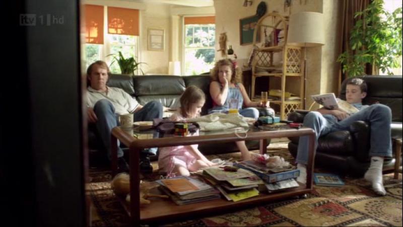 Дом на окраине (Marchlands) - S01E02 (2011)