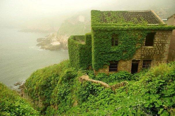 Рыбацкая деревня, которая проиграла схватку с природой  Китайский архипелаг Шенгси включает в себя почти 400 островов.