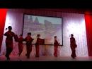Японский танец с зонтиками