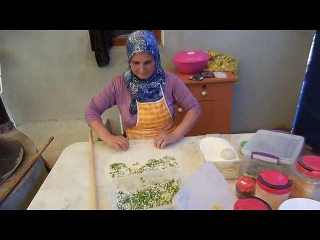 Приготовление турецких лепёшек (ГЁЗЛЕМЕ), айран, турецкий чай. TURKISH COOKING GOZLEME 2015-05-09