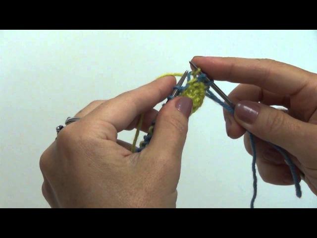Двухцветный узор мелкой вязки