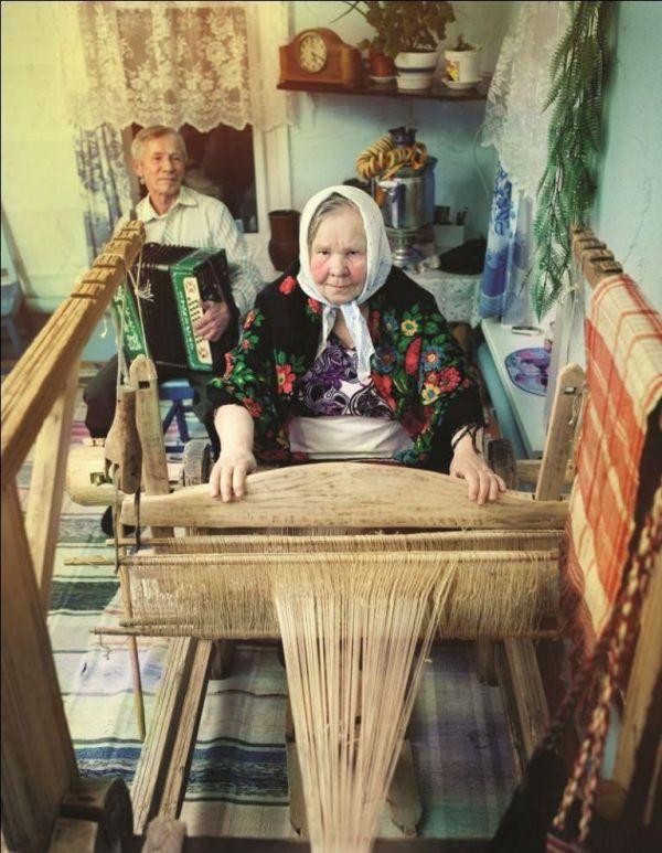 Q0VspXMLqVQ - О деревенской жизни в фотографиях Андрея Яковлева