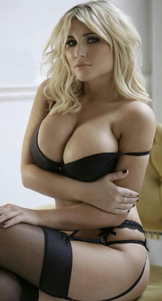 Tunderose mature live sex via webcam