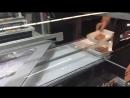 Упаковка сарделек на подложку в термоусадочную пленку Pratika MPE