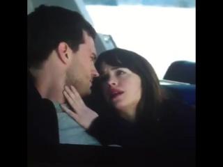 """Кристиан и Ана на яхте """"Грейс""""."""